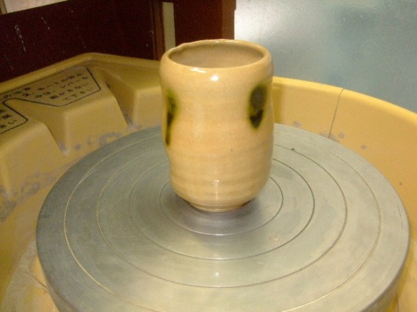 緑灰釉中皿
