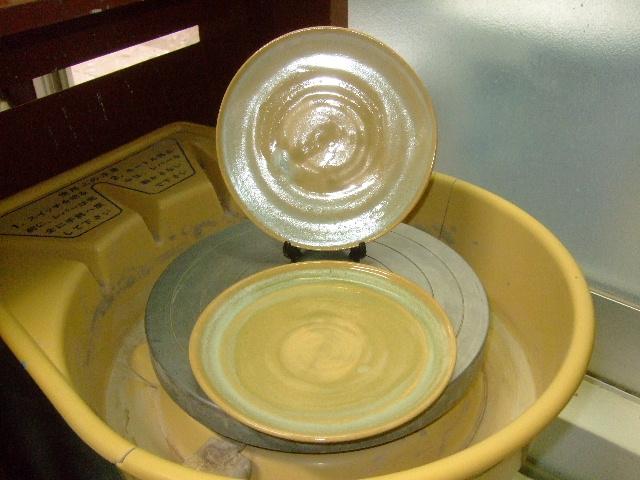 緑灰釉中皿2